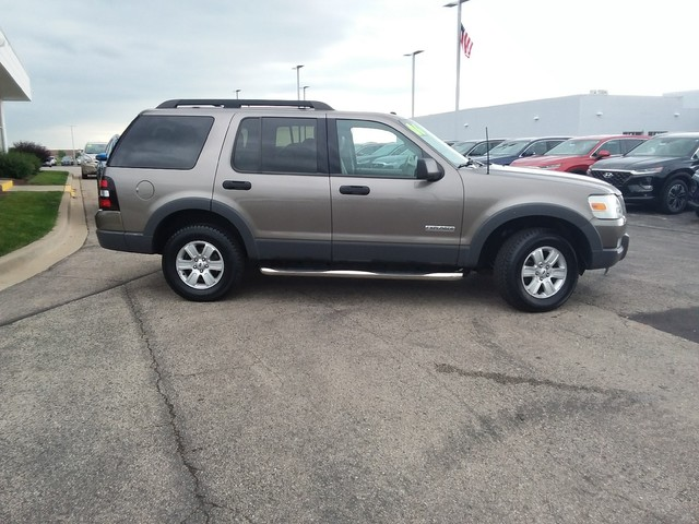 2006 Ford Explorer Xlt >> Pre Owned 2006 Ford Explorer Xlt Four Wheel Drive Suv